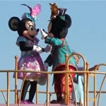 Adorable Couple Minnie Mouse & micky Mouse Kissing Show