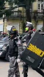 Coronavirus et police militaire dans les rues au Brésil